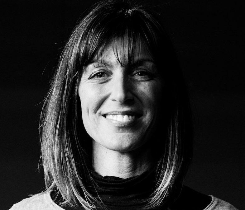 ZOOM SUR… SANDRINE GAUDIOSI, ALIAS FRYDA DANS «FAMILLE D'ARTISTES»